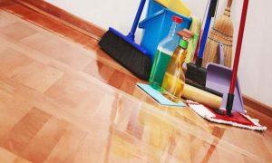 Membersihkan Keramik